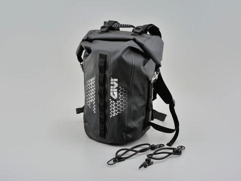 GIVIUT802防水バックパック35L