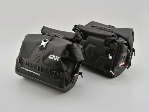 GIVI UT808 防水サイドバッグ